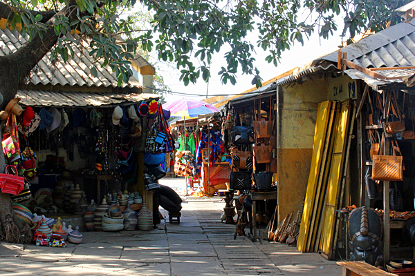 gambia-shopping