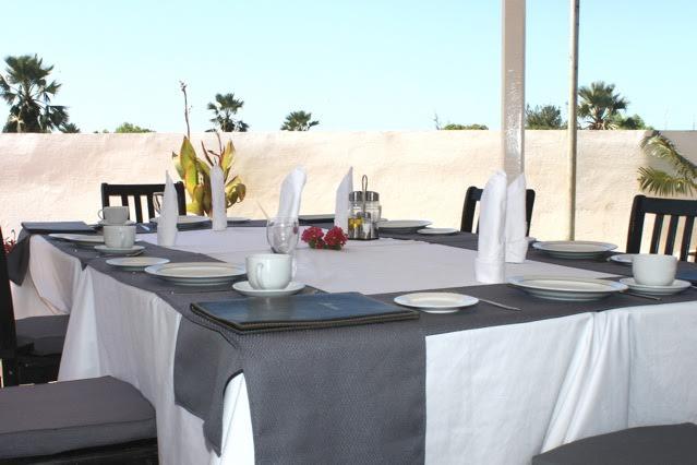 restaurant-gambia1